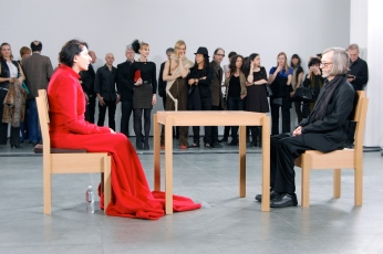 marina_abramovic_the_artist_is_present_2010_2